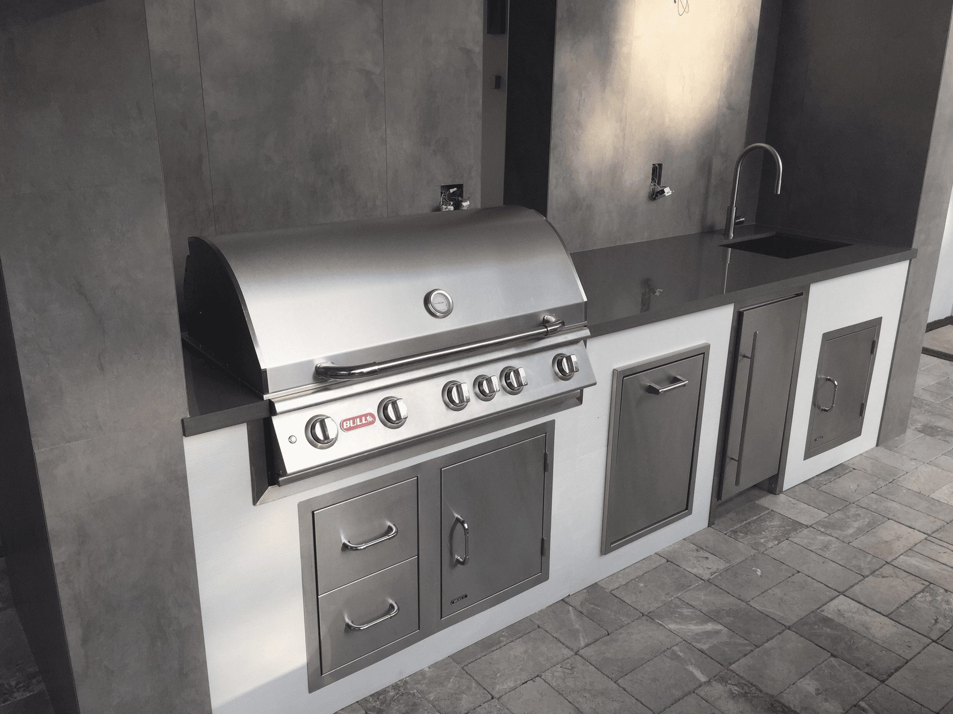 Bull Outdoor Kitchens - Luxapatio