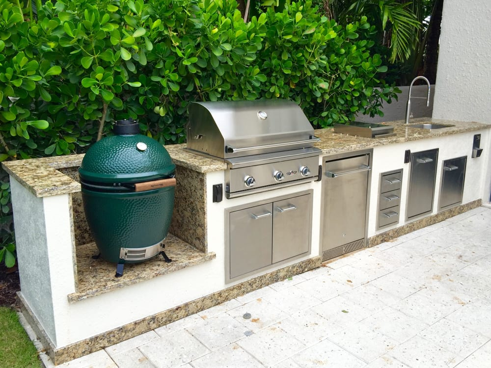 Elegant Green Egg Delta Kitchen