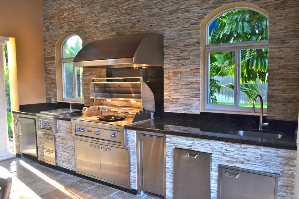 outdoor kitchens luxapatio