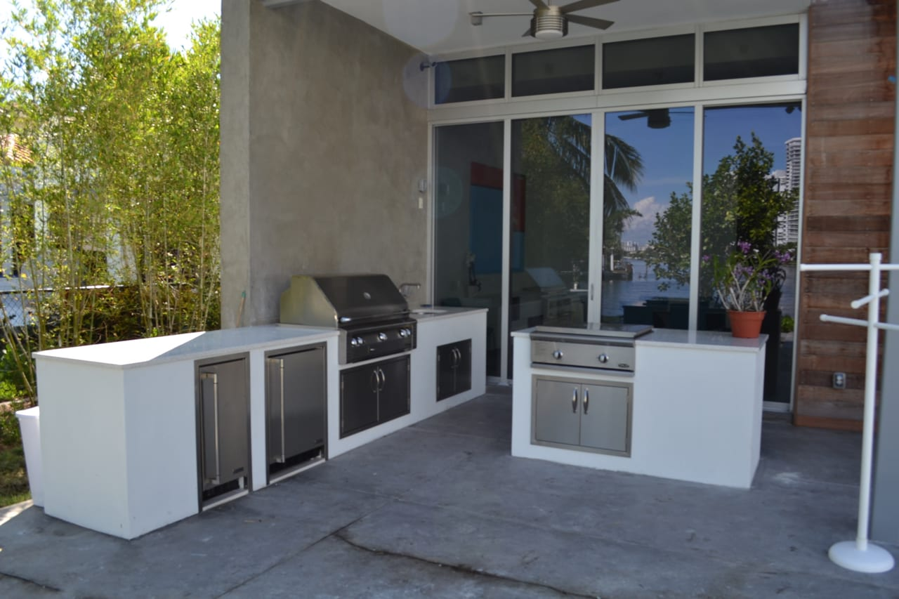 Outdoor Kitchens 35 Luxapatio